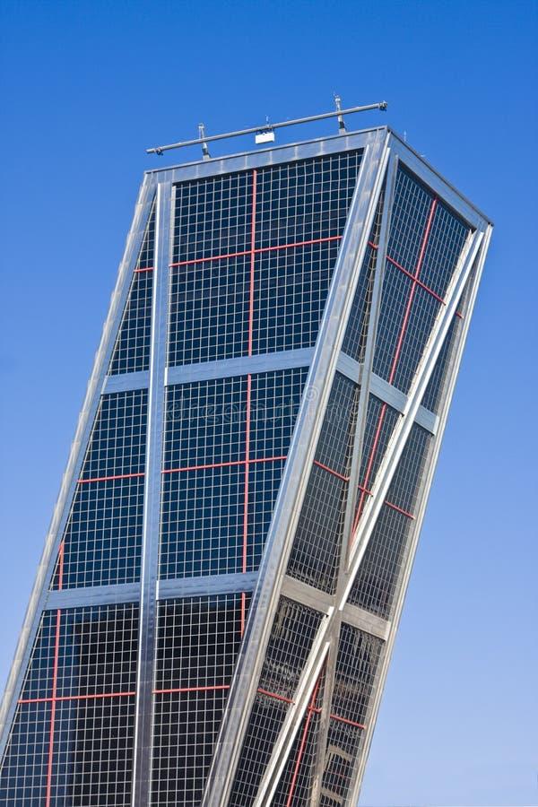 Wolkenkratzer mit Reflexion lizenzfreies stockfoto