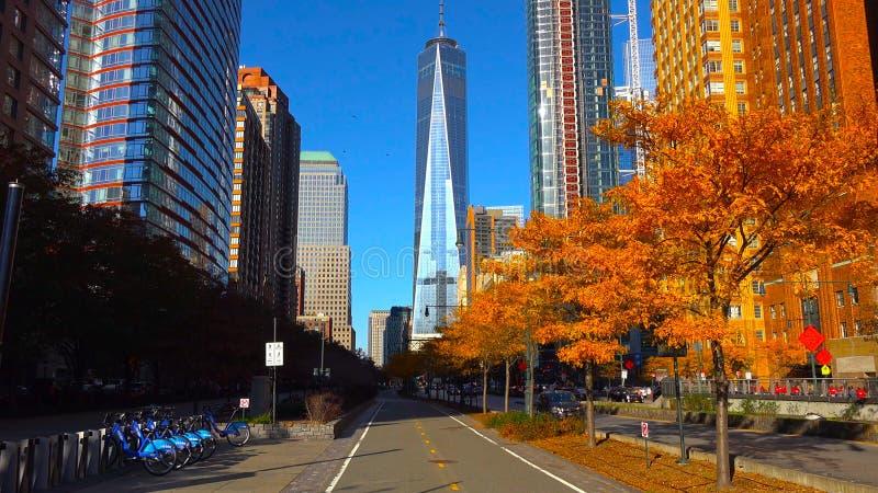 Wolkenkratzer an Stadt Nacht-/New York - USA Ansicht zum Lower Manhattan am 18. Dezember 2018 stockbilder