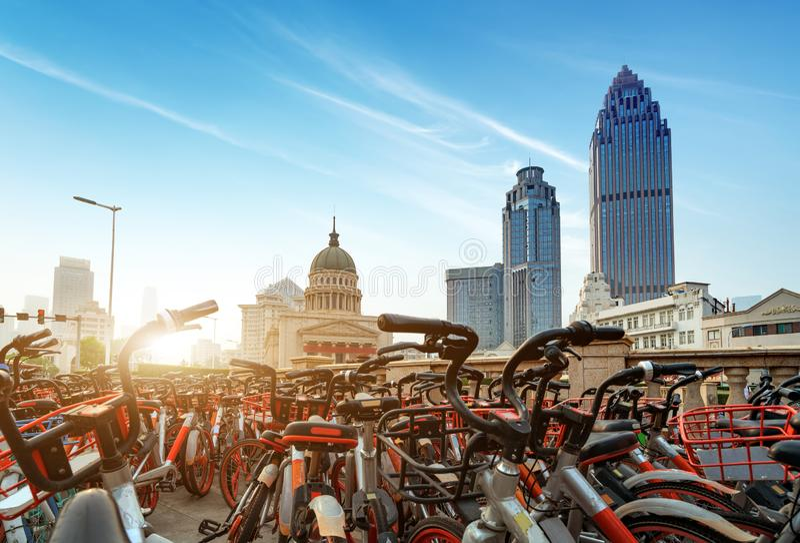 Wolkenkratzer in Tianjin, China lizenzfreies stockbild