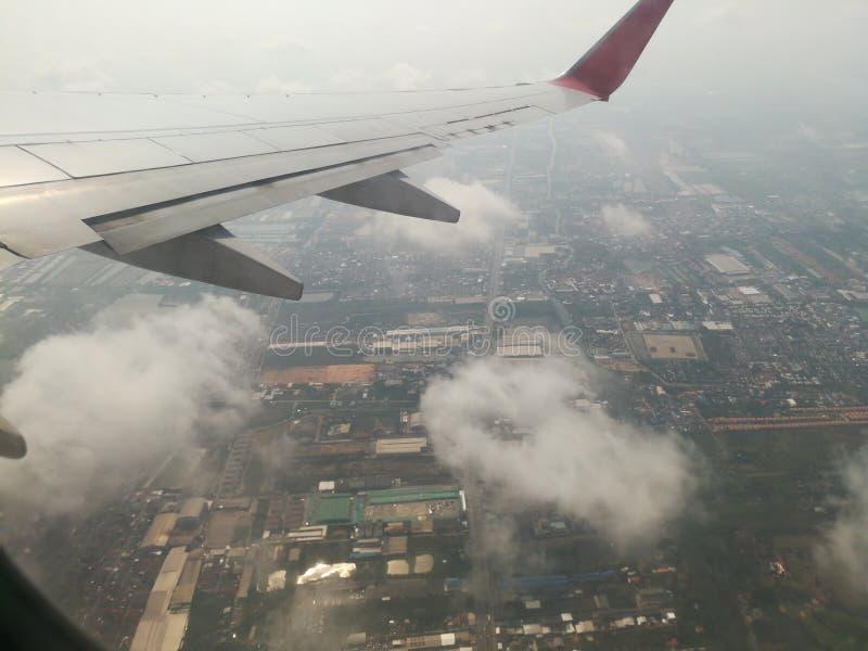 wolkenmening van airplne royalty-vrije stock afbeelding