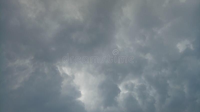 Wolkenstortbuien royalty-vrije stock fotografie