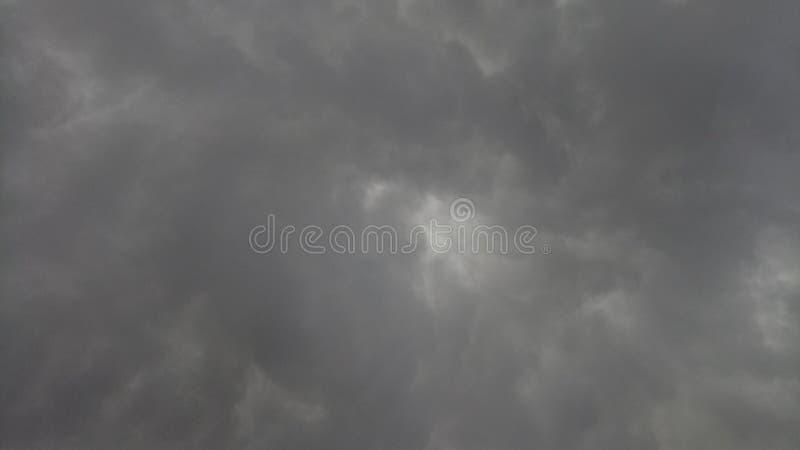 Wolkenstortbuien stock foto's