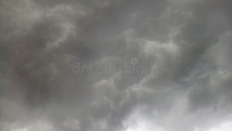 Wolkenstortbuien royalty-vrije stock foto's