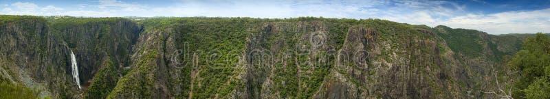 Wollomombi cade panorama immagine stock