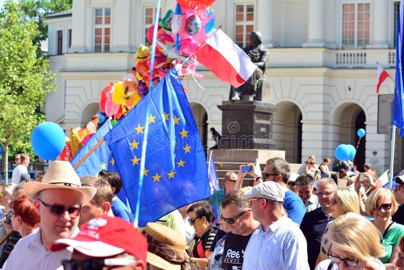 Wolność Marzec Słupy maszerują potępiać rzędu, żlobi demokrację obrazy royalty free