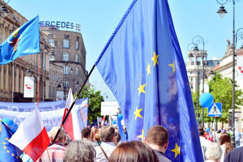 Wolność Marzec Słupy maszerują potępiać rzędu, żlobi demokrację obraz royalty free