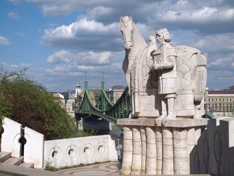 Wolność most i statua St. Stephen fotografia royalty free