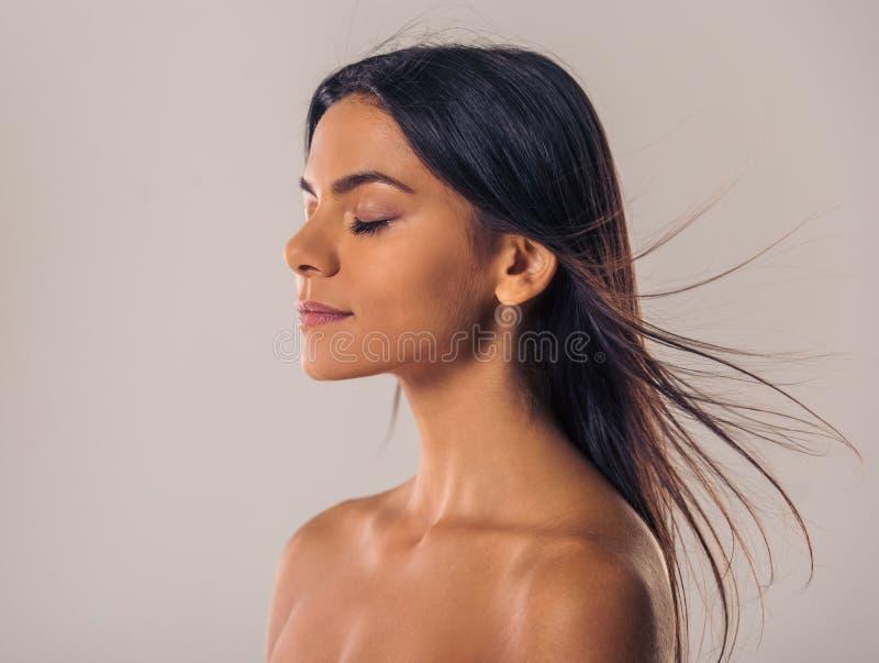 Woman& x27 φυσική ομορφιά του s στοκ εικόνες με δικαίωμα ελεύθερης χρήσης