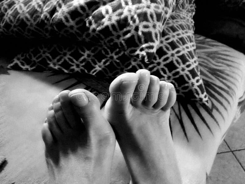 Woman& x27; ноги s стоковые изображения
