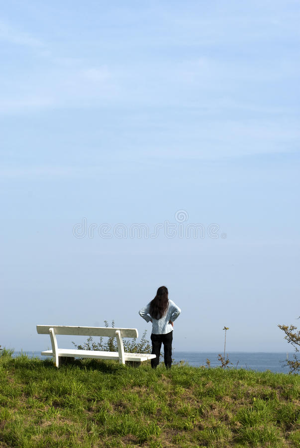 Download Woman And Bench Royalty Free Stock Images - Image: 21551299
