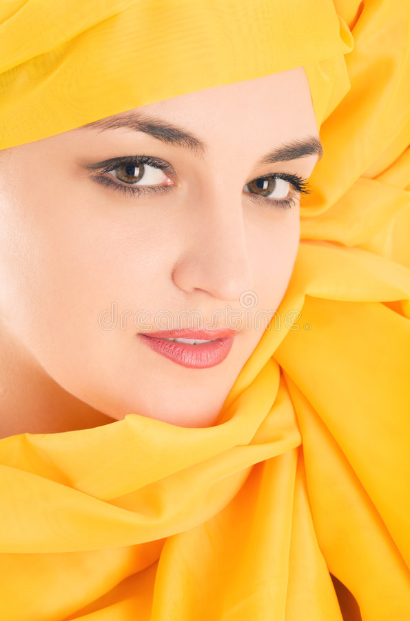 Free Woman Covering With Yellow Cloth Stock Photography - 6068882