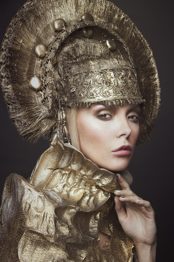 Free Woman In Decorative Kokoshnik Head Wear Royalty Free Stock Image - 74302606