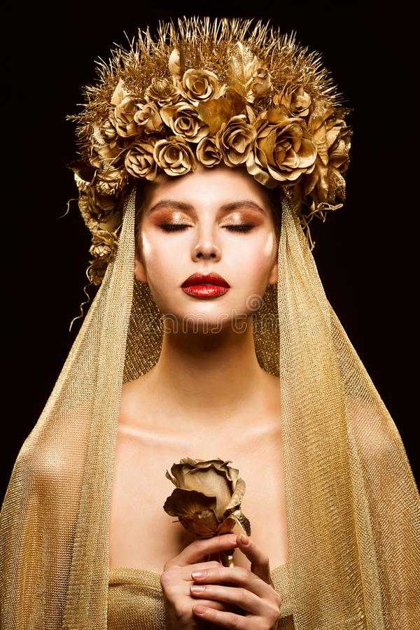 Free Woman In Gold Flower Crown, Fashion Model Beauty Makeup, Bride In Golden Veil Holding Rose Stock Photos - 142831913