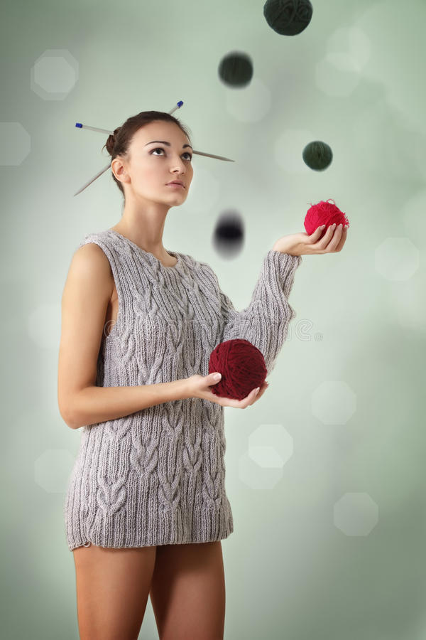Woman Juggle Clew Royalty Free Stock Image