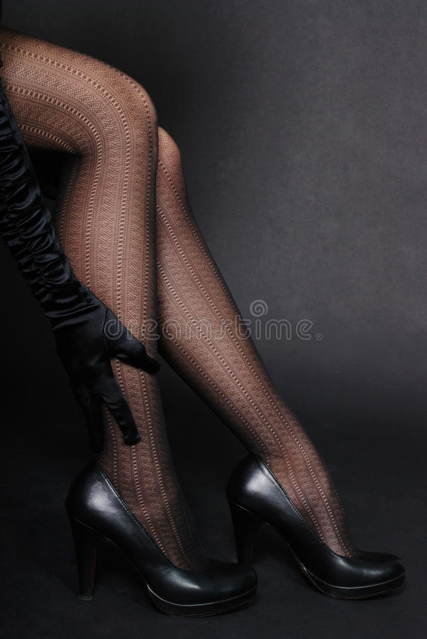 Free Woman Legs In Shoes Royalty Free Stock Photos - 12441018