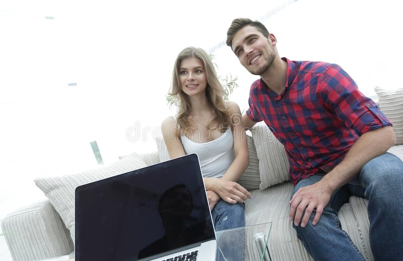 Woman psychologist conducts a session with a young couple. Photo scopy space stock photo
