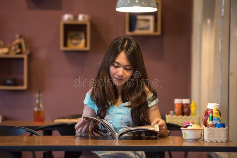 Woman Reading Book Free Public Domain Cc0 Image