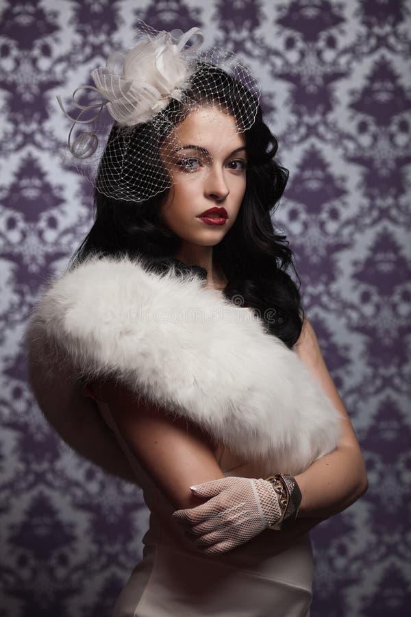 Woman.Retro bonito denominou o retrato macio imagens de stock royalty free
