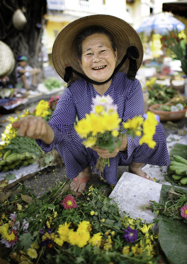 Download Flower Market In Hoi-an Vietnam Editorial Stock Photo - Image: 29863688