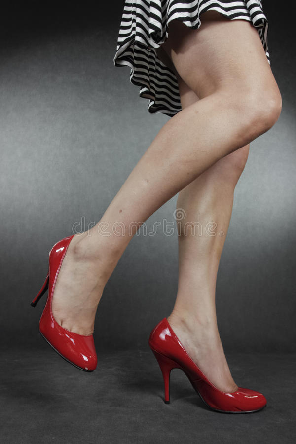 Free Woman Wearing Dress And Red Shoes Stock Photography - 70715712