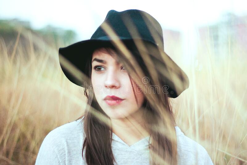 Woman Wearing Hat On Field Free Public Domain Cc0 Image