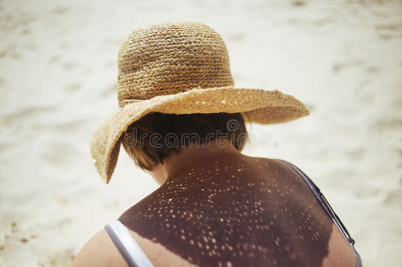 Woman Wearing Straw Hat On The Sand Free Public Domain Cc0 Image