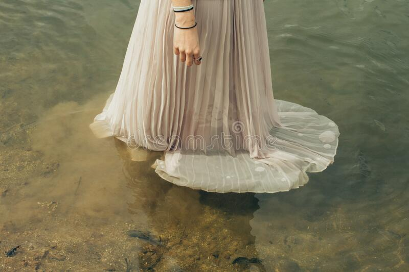 Woman In Wedding Dress Standing In Water Free Public Domain Cc0 Image