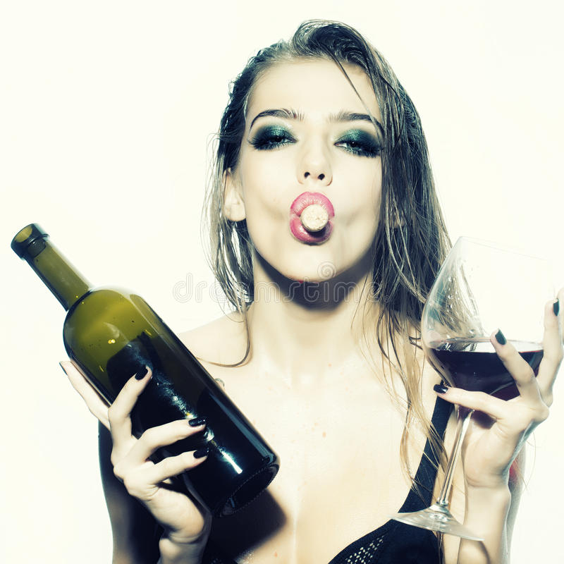 sexy-woman-holding-bottle-of-wine-nude