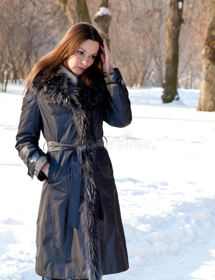 Download A Woman Is In The Winter Park Stock Photo - Image: 17289378