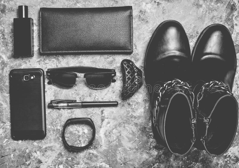 Women& x27 μπότες του s, εξαρτήματα, συσκευές για ένα σχεδιάγραμμα επιχειρησιακής κυρίας στοκ φωτογραφίες