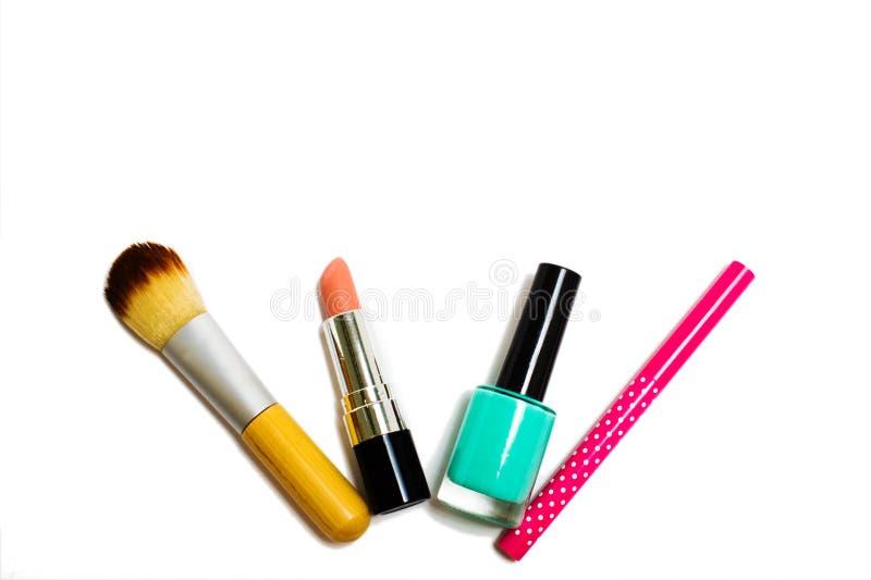 Women& x27; accesorios de s y productos de belleza en un fondo blanco fotografía de archivo libre de regalías
