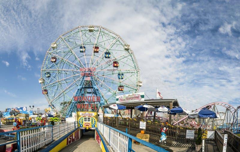 Wonder het Wiel is een honderd vijftig voet zonderling wiel in Luna stock foto