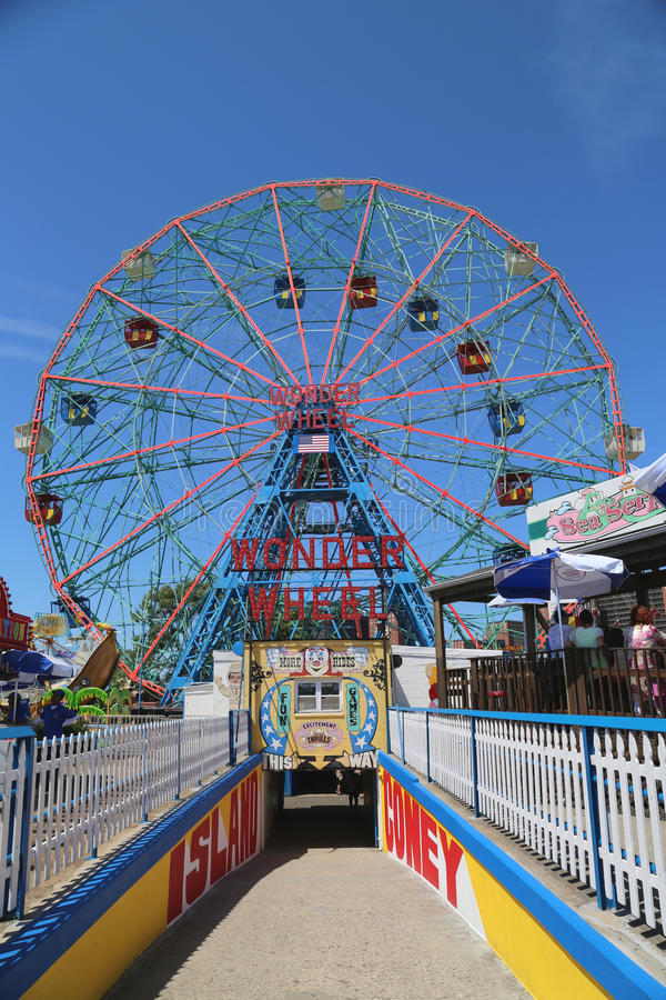 Download Wonder Wheel At The Coney Island Amusement Park Editorial Stock Photo - Image: 41889073