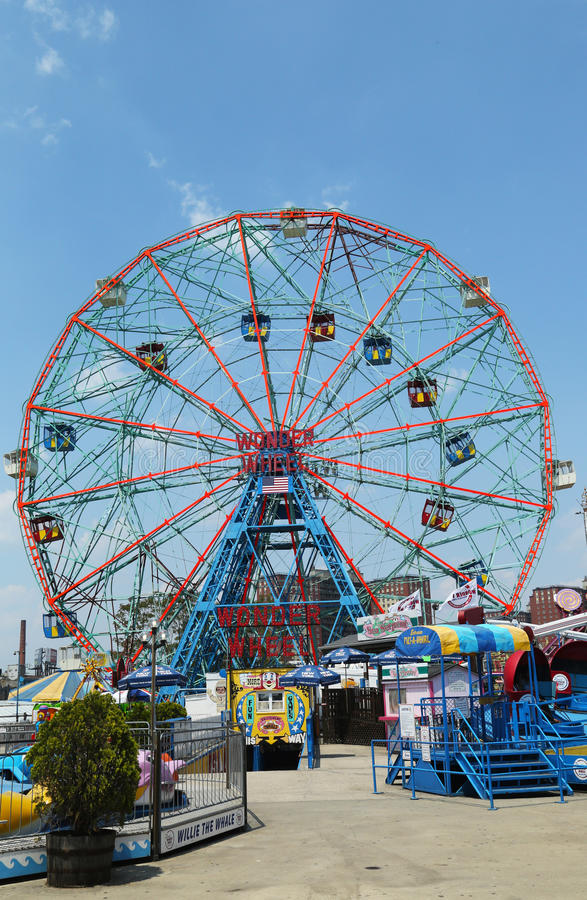 Download Wonder Wheel At The Coney Island Amusement Park Editorial Photo - Image of leisure, coney: 32195651