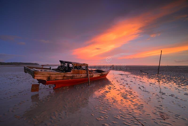 Wonderfull Indonesien för solnedgång Momen7 Batam fotografering för bildbyråer