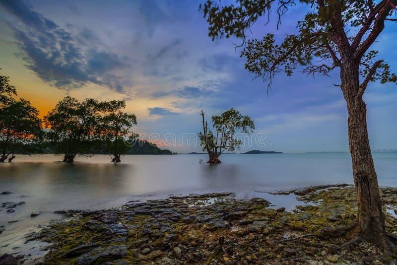 Wonderfull Indonesien för solnedgång Moment13 Batam Bintan fotografering för bildbyråer
