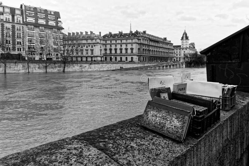 Wonton rzeczna powódź w Paryż fotografia royalty free