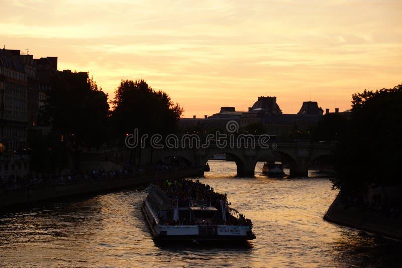 Wonton w Paryż, Francja - obraz stock