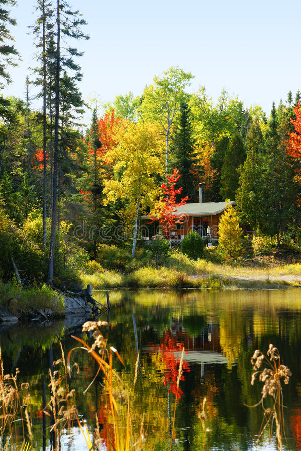 Download Wood Cabin By The Lake Stock Image - Image: 29933151