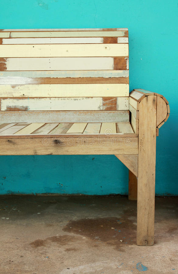 Download Wood Chair And Green Wall Royalty Free Stock Images - Image: 23391519