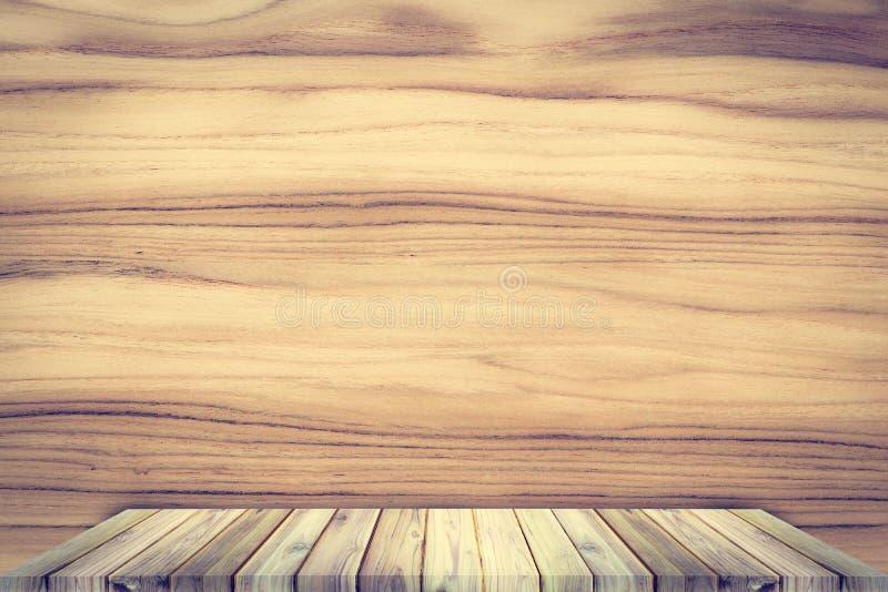 Wood hylla för teakträ på teakträtexturbakgrund arkivfoto