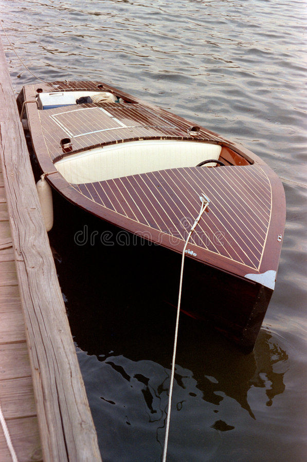 Free Wood Motorboat Royalty Free Stock Photography - 3140417