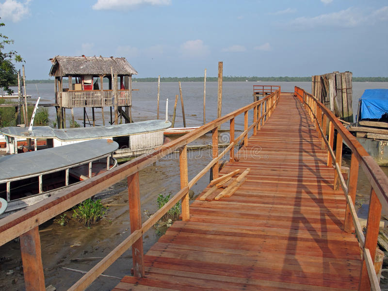 Download Wood Pier Royalty Free Stock Photos - Image: 16208618