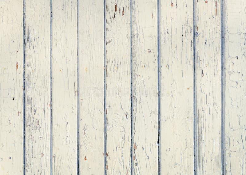 Wood plankastaket med ett vitt färgslut för gammal målarfärg upp Detaile royaltyfria foton