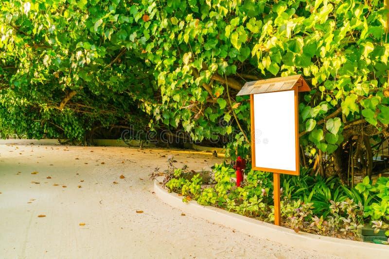 Blank Sign Green Garden Background Stock Photos Download 1 196