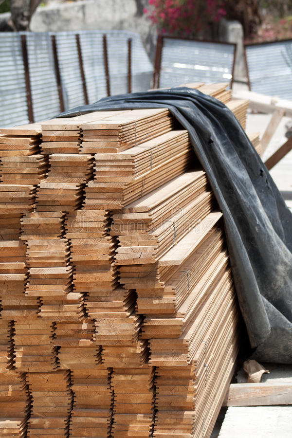 Free Wood Stack For A Colonial Building Repair (I) Royalty Free Stock Photography - 17223767