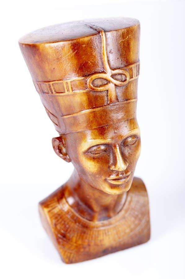 Wood staty av farao arkivbild