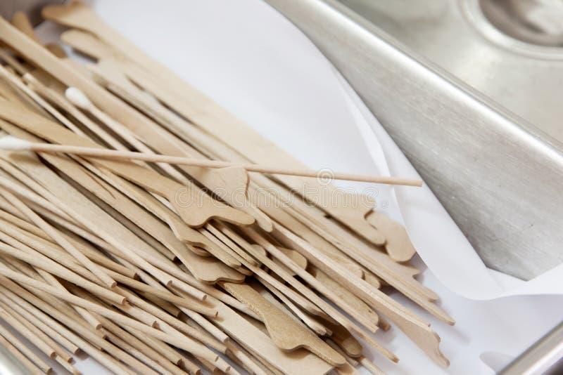 Wood tunt smörlagersilkespapper på halsen fotografering för bildbyråer