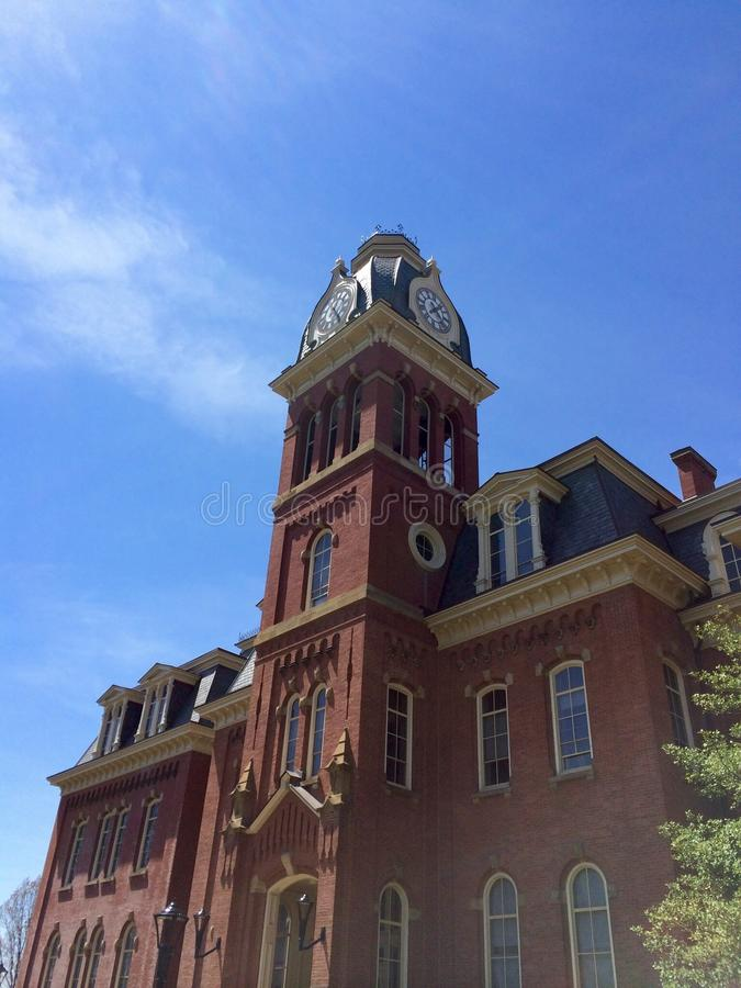 WoodBurn Hall på WVU royaltyfri bild