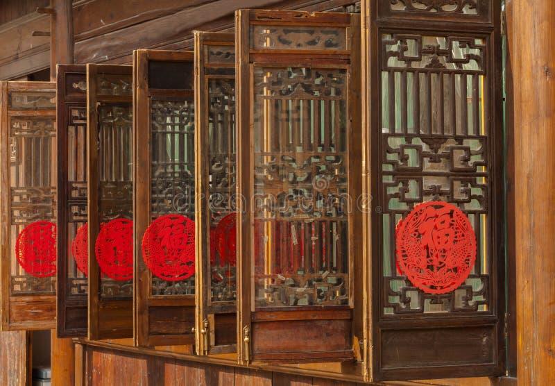 Woodcarvingsvensters stock foto's
